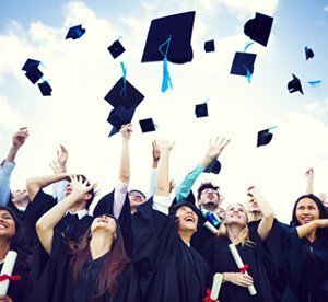 5 Reasons to have your Graduation Party at Pinz.